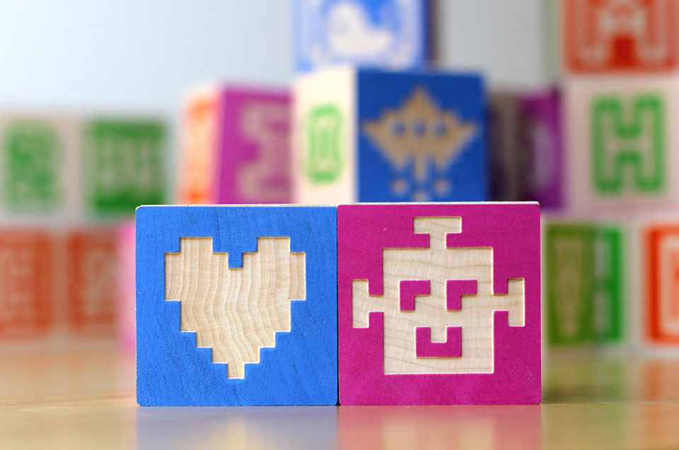 Glyfyx Bitblox Heart Robots - 960x636